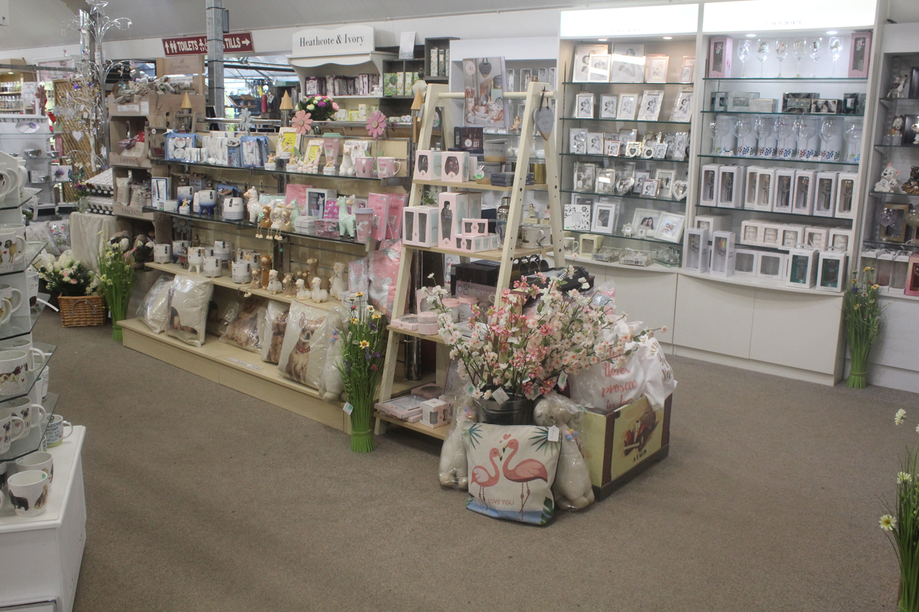Gifts, centre display 2